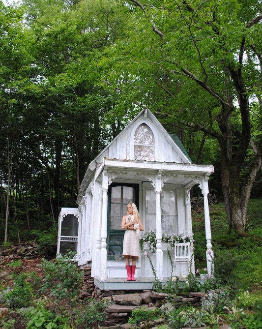 Move Over Man Caves, the 'She-Shed' Is Gaining Popularity